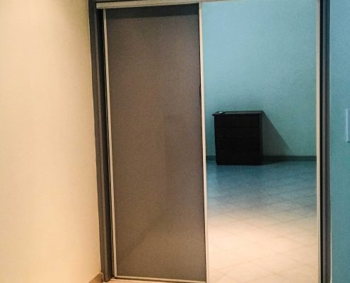 Vakantiehuis-Suriname-Luciana-Closet-Master-bedroom