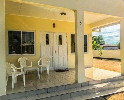Vakantiehuis-Suriname-Mini-Fayalobi-Balkon