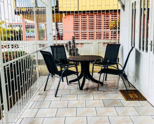 Vakantiehuis-Suriname-Onoribo-Balkon