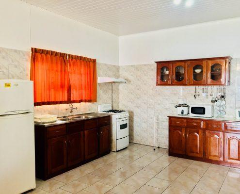 Vakantiehuis-Suriname-Onoribo-Keuken